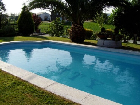 Siwmming-pool